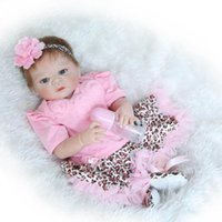 22 polegadas Gentle Touched Vinyl Full Body olhos azuis ANATOMICAMENTE CORRECTA Baby Girl Doll Toy in Pink Princess Dress