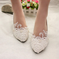 Wholesale white heels for cheap - Sweet Cheap Flat Pearls Wedding Shoes For Bride Lace Appliqued Prom High Heels Poined Toe Plus Size Bridal Shoes