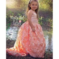 ingrosso rosette di fiori di pizzo-Beautifu Exqusitel Coral Floral Rosette Flower Girl Dresses 2016 Sweep Train Lace Up Back senza maniche palla Gowln bambini ragazze vestito da spettacolo