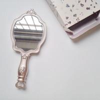 cosméticos compactos vintage al por mayor-LADUREE Les Merveilleuses HAND MIRROR cosméticos Maquillaje Princesspocket espejo Compacto Vintage Japón