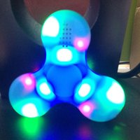 2017 La plus récente main Fidget Spinner Haut-parleur Bluetooth Haut-parleur LED EDC Toy Anxiété au doigt Stress Reliever Luminous Music Player Multi Color Gyro