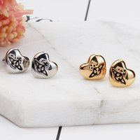 Wholesale united love - Europe and the United States simple, the Queen Mother gold-plated silver plated, love Saturn earrings, stud earrings are not set, lovers NEW