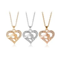 Wholesale Hand Heart Necklace - Free shipping Mother 's Day fashion hand in hand love peach heart necklace chain chain WFN410 (with chain) mix order 20 pieces a lot