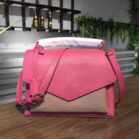 Wholesale fashionable totes - Women Contemporary Classic Schoolbag, Sleek Ultra-fashionable Model Crafted of Soft Functional My Lock Me Cross Body Bag L356