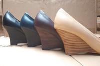 burçlu kamalar toptan satış-Ünlü Marka Altın Metal Toka Koyun Geniune Deri 8 CM Kama Yüksek Topuk Elbise Pompaları Takozlar Bayan Kadın Ayakkabı Sz 35-41