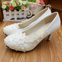 Wholesale Simple Lace Wedding Flats - Manual white high-heeled bride photo wedding shoes low with simple flat bridesmaid pearl lace single women