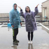 raincoats großhandel-Einweg Reise Regenbekleidung Vier Schnalle Poncho Portable PE Unisex Regenmantel Outdoor Sport Nützlich Einmal Regen Mantel 0 37hj F
