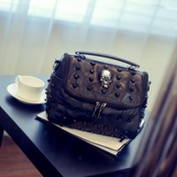 Fashion Punk Skull Rivet Bags Women Messenger Bag Restoring Ancient Ways in Europe Borse a tracolla in pelle con fibbia singola Lady