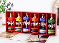 старинные украшения оптовых-Старинные деревянные Карусель лошадь Рождественская елка кулон висячие украшения романтический Свадьба День Рождения курица декор детские игрушки сувениры с подарочной коробке