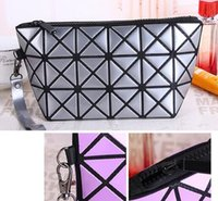 Barato Sacos Das Senhoras Do Diamante-New Arrival Geometric Zipper Cosmetic Bag Mulheres Laser Flash Diamond Leather Maquiagem Bag Ladies Cosmetics Organizer