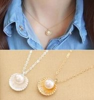 Wholesale Shell Shaped Pendant - XL181 Fashion minimalist temperament Imitation pearls shell shaped pendant necklace women jewelry short necklace clavicle chain