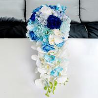 neue rosa rosensträuße großhandel-Neue Künstliche Wasserfall Royal Blue Wedding Bouquets Für Bräute Tröpfchen Rosa Blumen Braut Brautjungfer Brosche Bouquet 2017