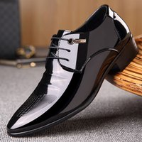 Wholesale Men S Pointed Shoes - Spring Summer Men 's Business Casual Shoes Pointed Toe Basic Flat British Fashion Wedding Dress Black Shoes 2017 Luxury Brand