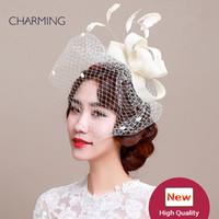 chapéu cinza cetim venda por atacado-Chapéus do casamento véus estilo designer britânico chapéus do casamento de malha e produção de material pena chapéus elegantes para o casamento