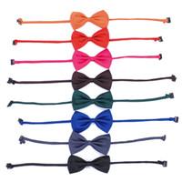 lazo decorativo lazo al por mayor-Pet Tie Bow Artículos decorativos Lovely Una variedad de colores Mascotas Suministros Múltiples funciones Niños Gato Perro Herramienta de cosmetología 0 55za R