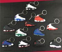 keychain mix al por mayor-Mezcle lindos zapatos de baloncesto de silicona llavero aj13 zapatilla de deporte llavero llaveros niños llavero titular para mujer y niña regalos de Navidad