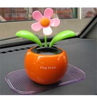 jouets de fleurs de danse achat en gros de-Décoration de la maison Énergie solaire Plantes à fleurs Déménagement Danse Pot De Fleurs Balançoire Solaire Voiture Jouet Cadeau