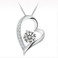 kız kalitesinde takı toptan satış-Yüksek kaliteli Avusturyalı kristal Elmas Aşk Kalp Kolye Bildirimi Kolye Moda Sınıf Kadınlar Kızlar Lady Swarovski Elements Takı