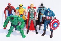 figura de batman nave libre al por mayor-Envío gratis Luminescence Los Vengadores Capitán América Spiderman Thor Batman Hulk Wolverine Figuras de Acción de Juguete PVC Figura 15 cm 6 unids = 1 Unidades