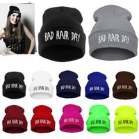 Compra Stampa Cappelli-Inverno Unisex Uomo Cappelli da donna Bad Hair Day Lettera Stampa Snap Back Beanie bonnet femme gorro Knit Hip Hop Punk Sport Hat Ski Cap