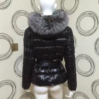 gerçek kürk şortları toptan satış-Sıcak Kadınlar Kış Gerçek Rakun Kürk Aşağı Ceket Kadınlar Kısa Gümüş Tilki Kapşonlu Sıcak Aşağı Ceket Kış Ceket