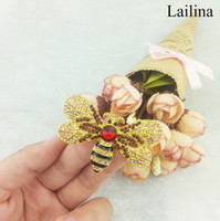 Wholesale Dresses For Big Figure - large Vintage Bee Insect Gold-Tone Brooch Pin Rhinestone Crystal Woman, big Bumblebee Brooch for dress