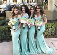 kapalı omuz nane yeşil elbise toptan satış-Yaz Ülkesi Nane Yeşil Mermaid Gelinlik Modelleri Omuz Dantel Arkası Düğün Konuk Elbisesi 2017 Uzun Ucuz Onur Elbiseleri Hizmetçisi