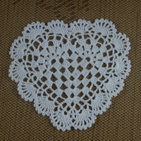 Vente en gros - Doilies Crochetées À La Main 16-20cm 3 Design Heart Round MatPad Wedding Rose Ornament Nappe Vintage Décoration Maison 15PCS / LOT
