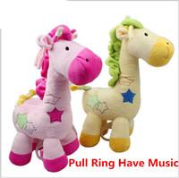 jirafa amarela plush venda por atacado-Varejo 2017 novo bebê brinquedos de pelúcia girafa anel de puxar tem música bonito crianças brinquedos de pelúcia de natal presente de aniversário 15 cm * 29 cm rosa amarelo