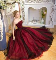 robes de mariée blanches étincelantes achat en gros de-Robe de mariée gothique noire et rouge A-line sans bretelles scintillante perle Non Blanc Vintage robes de mariée colorées Robe De Mariee
