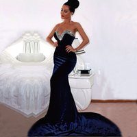 ingrosso abiti da sera arabi per le donne-2019 Sexy Royal Blue Velvet Prom Dresses Mermaid Sweetheart Backless arabo sera bordato i vestiti Donne lungo sweep treno abito formale