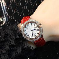 rosa fuerte relojes mujeres al por mayor-Venta caliente Relojes de Las Mujeres Relojes de Color Rosa Lujo Brillo Diamantes de cuero Genuino Reloj de pulsera reloj Pequeño Ojos Cristal Ocio Envío gratis