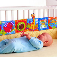 Vente en gros- Cute Popular Kids Mirror Animal Bed Cognize Cloth Book Infant Baby Bed Decor Toy