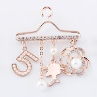 Wholesale Pearl Hangers - Wholesale- Brooch pin Crystal Tassel Pearl Rhinestone Hanger dangle CC 5 women Flower Golden Brand jewelry Christmas gift artificial pearl