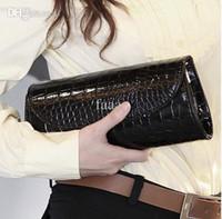 модная летняя клатч оптовых-Высокое качество женщины сцепления кошельки крокодил шаблон летняя мода клатчи кожаная сумка должна сумки посыльного черный белый красный женский