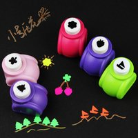Wholesale Wholesale Craft Puncher - New 5 Pieces Cartoon Style Craft Hole Punch Christmas Gifts Prize Office High Quality School DIY Cards Hole Puncher Free Shipping