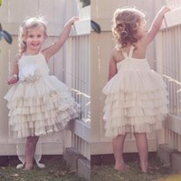 Последние новые 2017 Beach Tulle Tiered Flower Girls Dresses For Weddings Criss Cross Back Knee Length Short Party Gowns