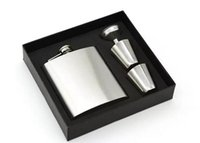 Wholesale 7oz Stainless Steel Hip Flask Set With Two Cups Portable Outdoor Whisky Stoup Wine Pot Alcohol Bottles With Box