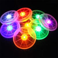 juguete del frisbee del ufo al por mayor-Nuevos divertidos deportes para mascotas UFO juguetes LED luminoso Frisbee juguete 8 colores Flash Coasters Pet Supplies IA770