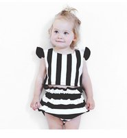 Wholesale Short Sleeve Striped Shirt Girls - 2017 Children's Striped Sets Infant Baby Girls Flutter Sleeve T-shirts with short pants babies Summer Fashion cute outfits