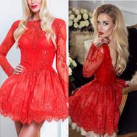 anneler küçük toptan satış-Vintage Küçük Kırmızı Dantel Tül Diz Boyu Kokteyl Elbiseleri A Hattı Sheer Uzun Kollu Aplikler Homecoming Abiye ile Gelin elbise