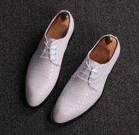 Wholesale Britain Size - 2017 Newest Men wedding shoes luxury brand designer alligator formal dress flat oxfords Britain leather shoes for men SIZE:37-44 GX91