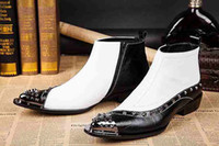 New Arrival White and Black Rivets Booties Talons hauts de l'Ouest Pointe Toe Studded Robe Cowboy Boots Patent Leather Moto Chaussures Punk