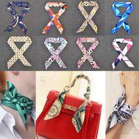 pequeñas bufandas al por mayor-2017 nueva multifunción pequeña bufanda de seda para la manija del bolso 24 colores de moda banda de pelo cinta mujeres pañuelo de seda bufandas envolver