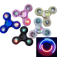 3 broches LED flash light Spinner à main LED Fidget Spinner Triangle à doigts à doigts Tri Spinner Handspinner Fidget EDC Décompression Toy WX-T08