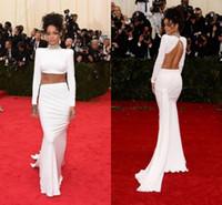 rihanna lange kleider großhandel-Sexy Zweiteiler Prom Kleider Rihanna White Celebrity Kleider High Neck Backless Geraffte Long Sleeves Mantel Sweep Zug Fashion Abendkleider