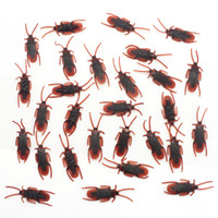 Wholesale april fools tricks - Plastic Simulated Cockroach April Fools' Day Decoration Halloween Prank Props Toys for Party Favorite Trick Funny Toys 144pcs   lot