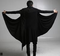 homens pretos frescos dos revestimentos venda por atacado-2017 new cool punk gothic t camisas homens manga longa solta cor preta para trajes de halloween Cape cape longo casaco Cardigan jaqueta