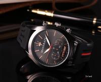 reloj de silicona al por mayor-Regalo Hombres Relojes de silicona de oro Reloj de cuarzo analógico impermeable Ejército deportivo Reloj militar