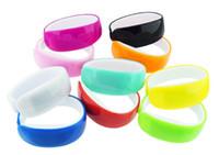 kunststoff-touchscreen led-uhren großhandel-Delphin-LED-Plastiksüßigkeits-Armband-Uhren tragen einfach Armband-Armbanduhr-Armband-Uhr mit Digital-Anzeigen-Touch Screen für Mann-Frauen
